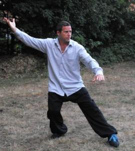 Jonas Brenner underviser i de forskellige Tai Chi forme